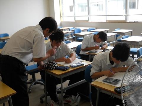 酒田光陵高等学校簿記室での指導状況